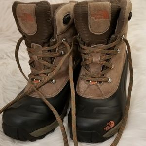 The North Face Shoes - TNF Men's Chilkat II Suede Winter Boots, Size 10.5